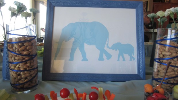 Peanuts for the elephants!