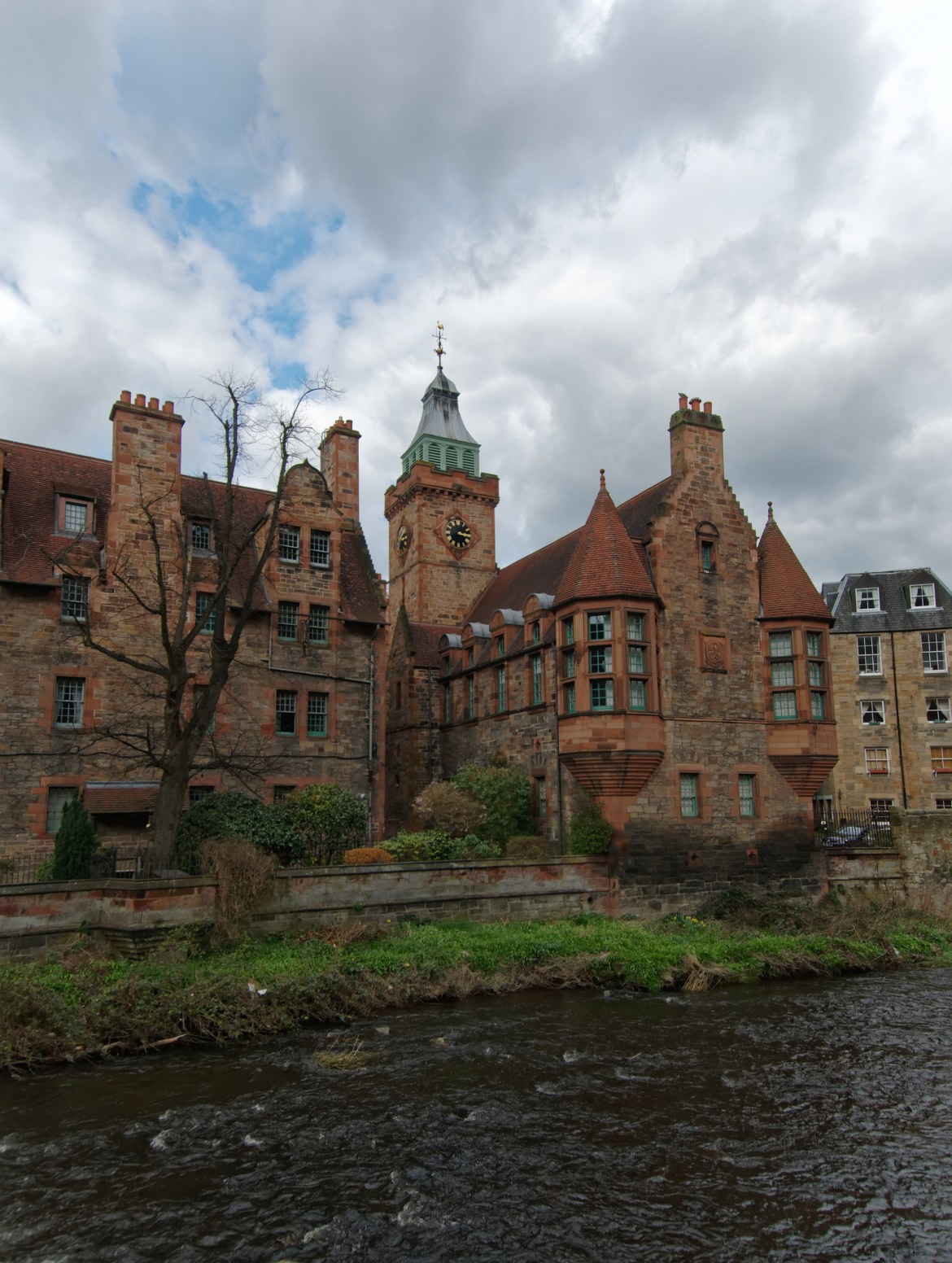 Well Court Water of Leith