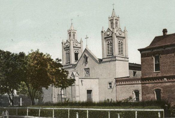 Postcard of San Felipe de Neri Albuquerque c1989