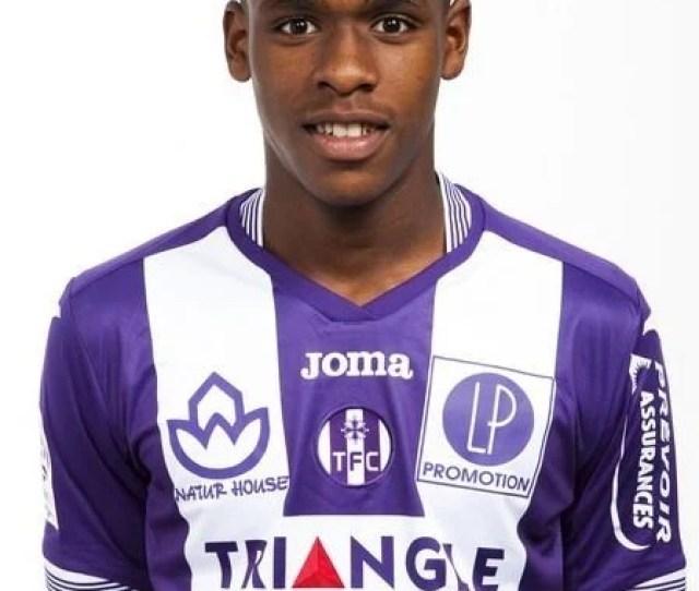 Issa Diop Footballer Wwwtfcinfositesdefaultfilesdiopjpg