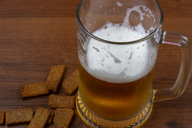 صورة المفرقعات إلى البيرة