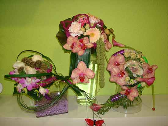 Multitud de ramos de novia con orquideas, calas, rosas ramificadas, garbera... a partir de 70€. Dilas que vas de parte de AlcorconHoy
