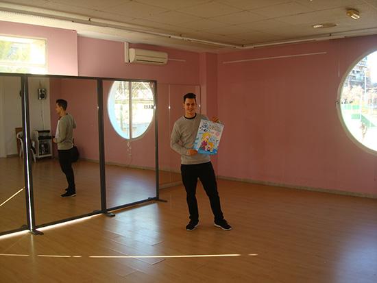 En la escuela de baile Dance & shhmile desde hace 4 años se imparten clases de baile moderno en todos sus estilos y hip-hop