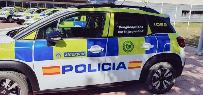 Policía de Alcorcón interviene con un anciano deshidratado en su casa