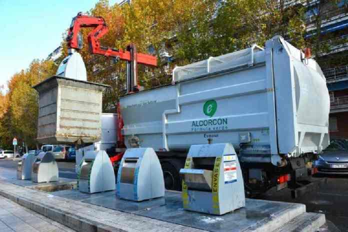 Alcorcón impulsa la limpieza y desratización de las islas ecológicas