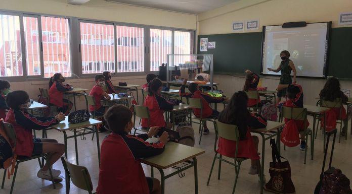 """Fernando Bello: """"No existe la educación sin emoción y por eso apostamos por la educación presencial en Alcorcón"""""""