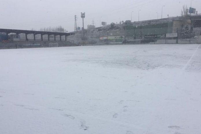 La nieve suspende la actividad deportiva del fin de semana en Alcorcón