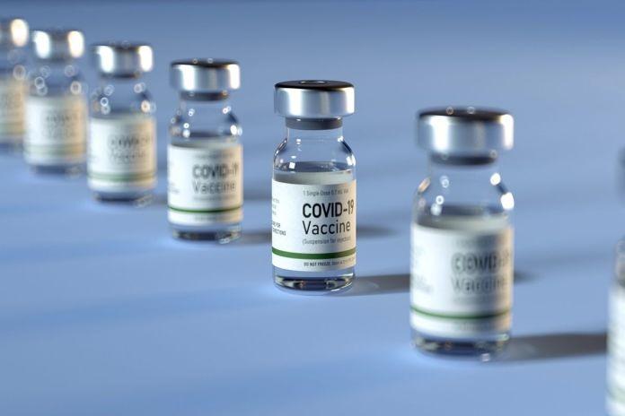 Aprobado por mayoría, ningún político deberá vacunarse antes de tiempo en Alcorcón