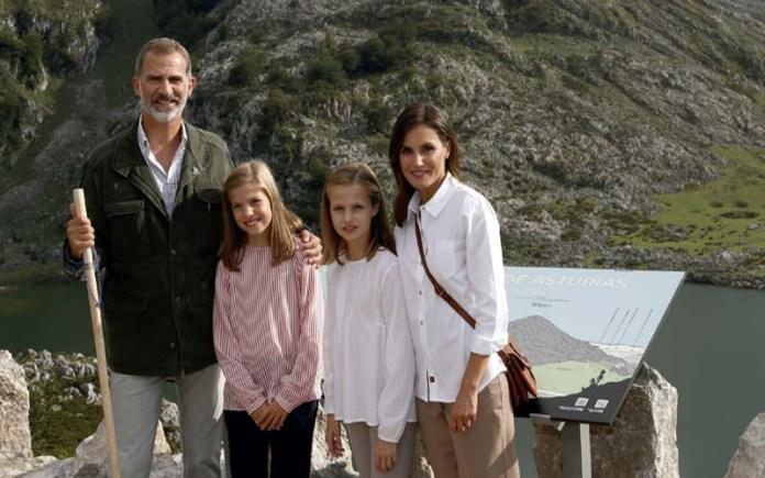 Spain royal family Christmas card