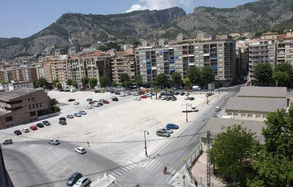 old alcoy courts and parking lot