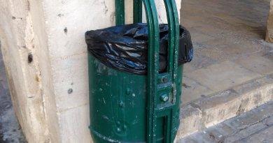 street-bin-alcoy-spain