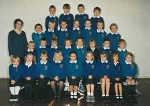 Miss Payne's Class 2000/2001.