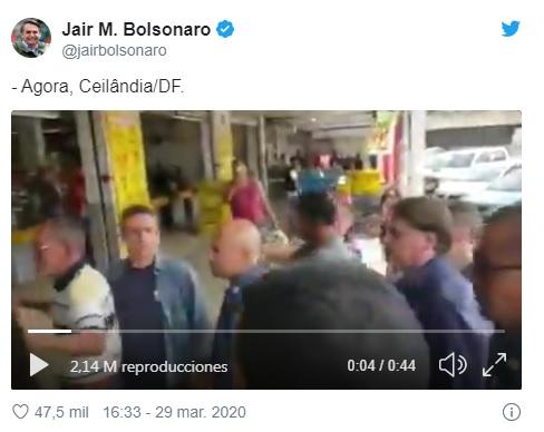 Bolsonaro paseando