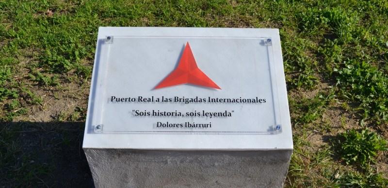 Glorieta de las Brigadas Inernacionales en Puerto Real.