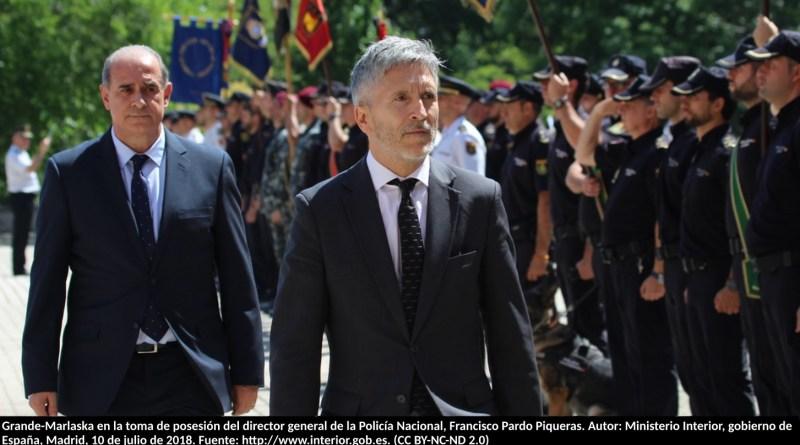 Grande-Marlaska en la toma de posesión del director general de la Policía Nacional, Francisco Pardo Piqueras. Autor: Ministerio Interior, gobierno de España, Madrid, 10 de julio de 2018. Fuente: http://www.interior.gob.es. (CC BY-NC-ND 2.0)