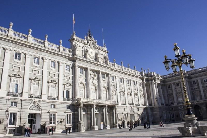 Palacio Real de Madrid. Autor JoseManuel de Laá. Dominio Público. https://pixabay.com/es/photos/palacio-real-madrid-espa%C3%B1a-2011292/