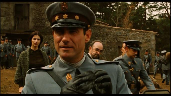 """""""Fotograma de la película donde sale el Capitán Vidal"""". Captura de pantalla realizada el 13/07/2020 a las 16:10. Fuente: Laberinto del Fauno, la película"""