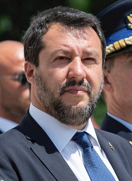 Extrema derecha europea. Matteo Salvini en 2019 participa en una ceremonia en la tumba de los soldados desconocidos. Autor: Elizabeth Fraser (U.S Army), 17/06/2019, 10:34:22. Fuente: Flickr