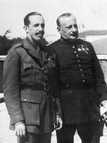 Alfonso XIII y Primo de Rivera. Autor: Desconocido, 1930. Fuente: German Federal Archives.