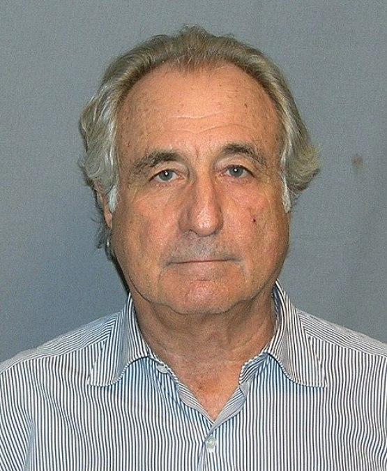 Bernard Madoff, el inversor milagro que estafó más de 65.000 millones de dólares con un sistema ponzi. Autor: Departamento de Justicia de los EEUU, 16/03/2009. Fuente: CNN.