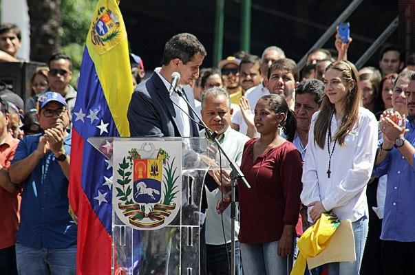 Marcha de protesta contra Maduro en Caracas convocada por Juan Guaidó. Autor: Alexcocopro , 02/02/2019. Fuente: Wikimedia Commons. (CC BY-SA 4.0).
