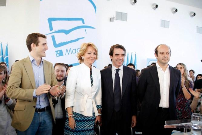 Pablo Casado con Esperanza Aguirre y José María Aznar. Fuente: Partido Popular Comunidad de Madrid, 01/04/2011. Fuente: Flickr (CC BY 2.0)