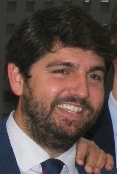 Fernando López Miras, presidente de Murcia, perjudicado por las mociones de censura en 2018. Autor: PP Comunidad de Madrid, 12/02/2018.  Fuente: Flickr. (CC BY 2.0).