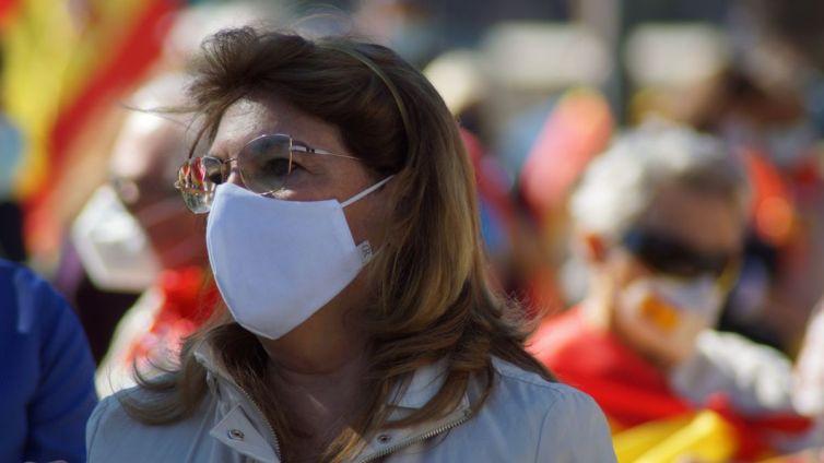 La diputada díscola de Vox, Mabel Campuzano, en una manifestación. Autor: elDiario.es. Fuente: elDiario.es (CC BY-NC 2.0.)