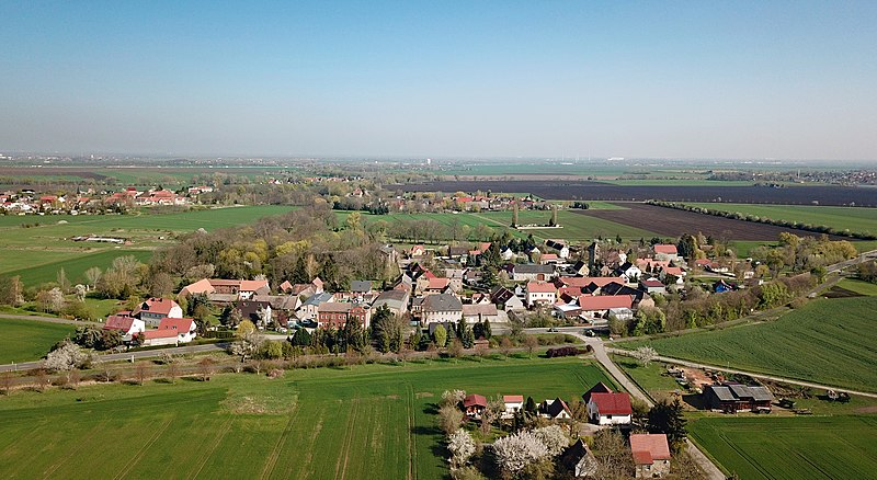 Fotografía de Röcken, pueblo natal de Nietzsche. Autor: PaulT, 15/04/2019.  Fuente: Wikimedia Commons. (CC BY-SA 4.0)