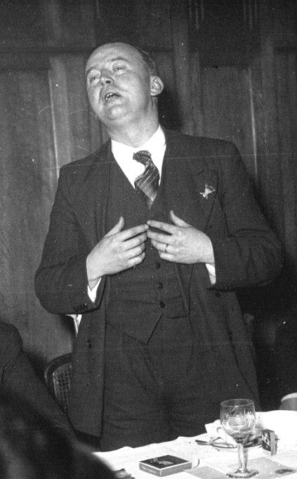 Fotografía de Henri Dorgéres, fundador de las milicias fascistas Camisas Verdes, en 1937