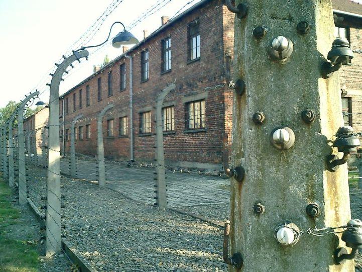 Campo de concentración de Auschwitz. Autor: Diego Delso, 27/08/2003. Fuente: Wikimedia Commons (CC BY-SA 2.0)
