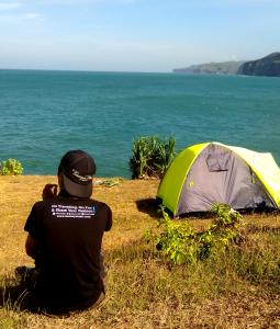 camping area pantai kesirat