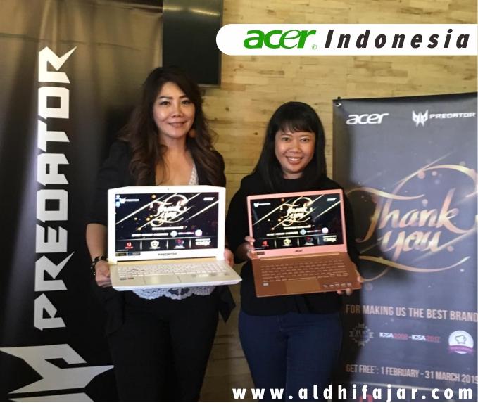 Erbie Winarto, Branch Manager Acer Indonesia untuk Jawa Barat dan Jawa Tengah, Anandita Puspitasari, Public Relations & Digital Manager Acer Indonesia