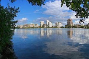 Gobernador firma Ley de la Reserva Estuarina de la Laguna del Condado