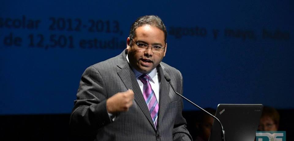 Rafael Román Meléndez, Secretario de Educación