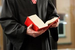 Interpreta el Tribunal Supremo cambio en terminología del delito de asesinato estatutario