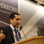 El licenciado Carlos L. Rodríguez Ramos se enfocó en el aspecto de la seguridad jurídica en el derecho administrativo y su relación con el desarrollo económico