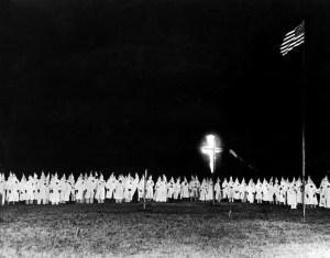 Ku Klux Klan apoya juez de Alabama que desafía matrimonios LGBT