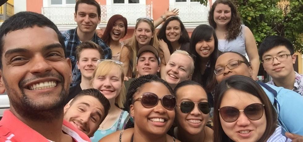 Estudiantes de la Universidad de Pittsburgh comparten con miembros de ILSA-INTER