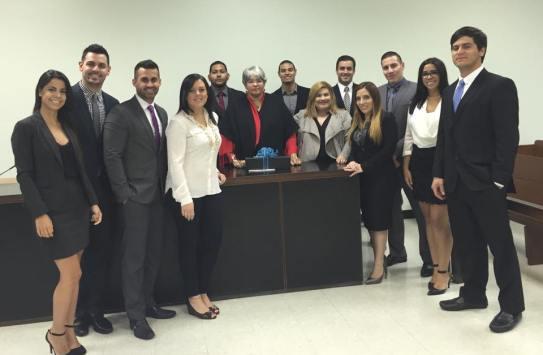 Asociación Estudiantil de Derecho Penal visita Tribunal de Primera Instancia de San Juan