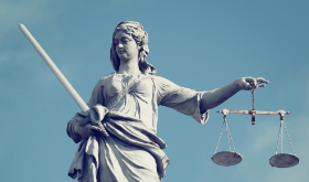 Justicia, dinero y algo más