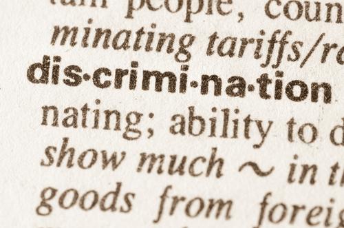 EEOC determina que el Título VII de 1964 prohíbe el discrimen por orientación sexual