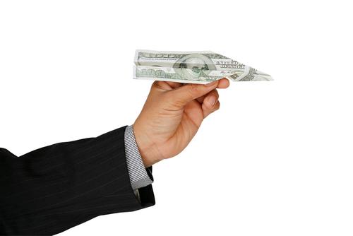 Cargo especial de 2% sobre transferencias monetarias derogado