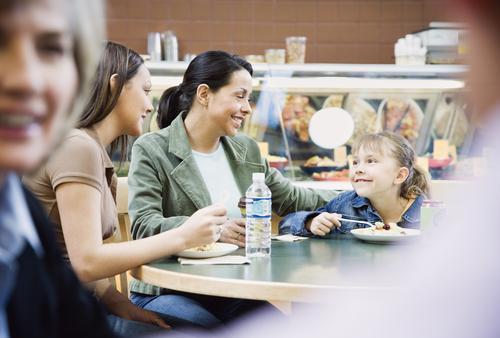 Pensión alimentaria cesará cuando menor alcance la mayoría de edad