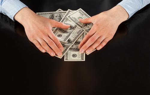 Juez falla contra Justicia federal por incautar cuenta de un bufete con dinero de clientes