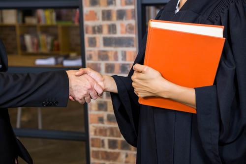 Amenazada American Bar Association con suspensión de un año de poderes de acreditación de escuelas
