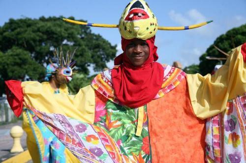 Loíza eliminará lenguaje ofensivo a comunidad LGBTT de ordenenza de fiestas de Santiago Apóstol