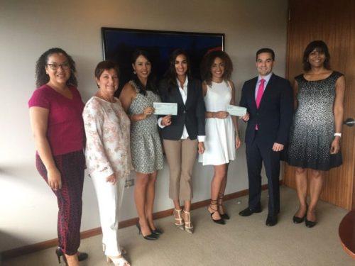 Estudiantes de Derecho UPR reciben beca del bufete Jackson Lewis