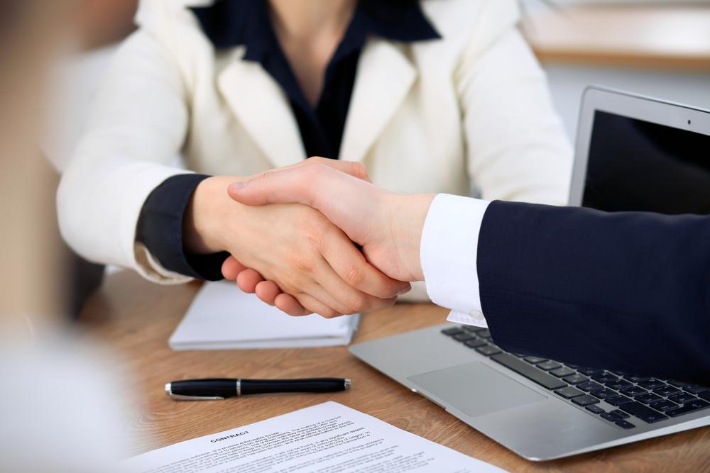 Cómo mantener el profesionalismo con los clientes