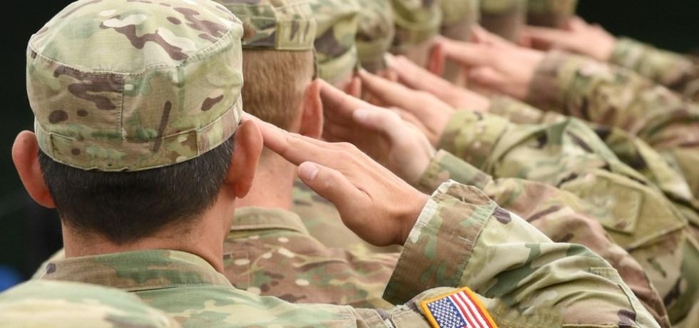 Soldado demanda al Ejército de EEUU por haber participado en un programa para inmigrantes que prometía un camino hacia la naturalización